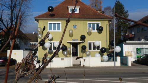 wohnzimmerlampen ikea:galerie wohnzimmer erfahrung : Aussenansicht Galerie Vayhinger in
