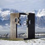 Eduardo Chillida, La puerta de la libertad II, 1984, Foto: Heinz Preute, Vaduz © 2016, ProLitteris, Zürich