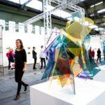 Die art berlin hat ihr Opening bereits um 16 Uhr, dieses wird begleitet von einem beeindruckenden Performance Programm der Performance Agency